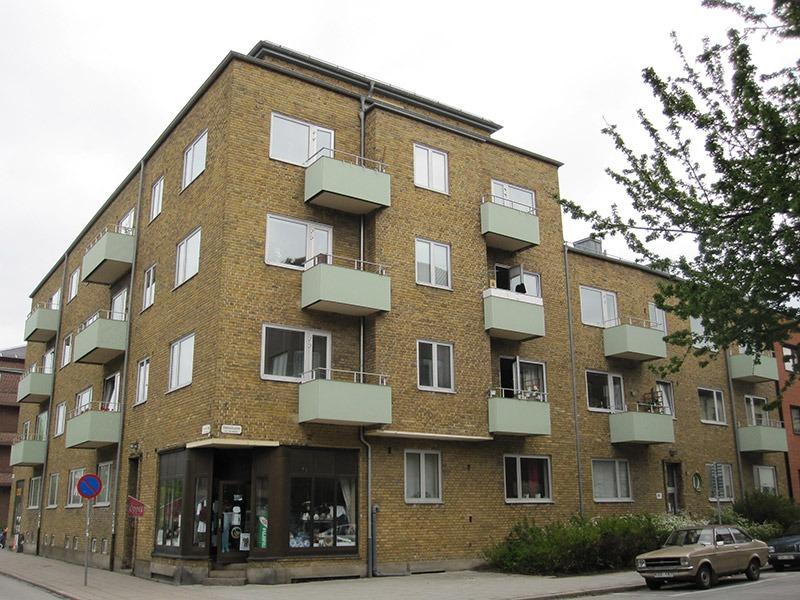 Fasaden på Dalslandsgatan 9 innan renovering