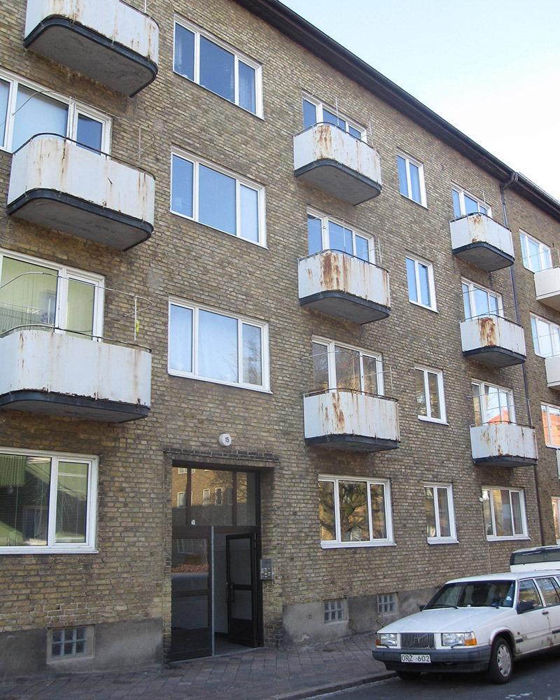 Fasaden på Abbekåsgatan före renovering